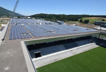 Svájc napelemes stadion